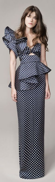 Johanna Ortiz Spring Summer 2016 Look 21 on Moda Operandi Love Fashion, Runway Fashion, High Fashion, Fashion Outfits, Fashion Design, Photo Glamour, Mode Glamour, Mode Inspiration, Mode Style