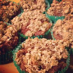 Kitchen Queen Eats Clean: Gluten Free Peach Streusel Muffins