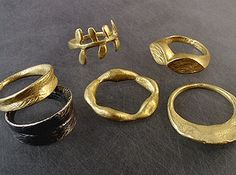Gold With Silver Rings Contemporary Jewellery, Modern Jewelry, Jewelry Art, Jewelry Rings, Silver Jewelry, Jewelry Design, Jewellery Box, Jewelry Casting, Fashion Jewellery