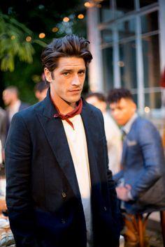 58 ideas for how to wear a bandana guys menswear Gentleman Mode, Gentleman Style, Cool Street Fashion, Street Style, Looks Style, Gorgeous Hair, Hello Gorgeous, Pretty Hair, Mode Style