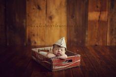 sporty baby karsten | 3 weeks new | kansas studios | kansas pitts photography