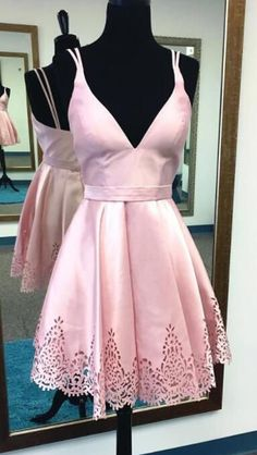 Homecoming Dress,Homecoming Dress Short,Prom Dress Short,Cheap Prom Dresses,Cheap Homecoming Dresses,Cheap Evening Dress,Homecoming Dresses Cheap,Quality Dresses,Party Dress,Fashion Prom Dress,Prom Gowns,Dresses for Girls,Prom Dress,Simple Prom Dresses,Red Satin Deep V-Neck A-Line Hollow Short Homecoming Dress, SH210