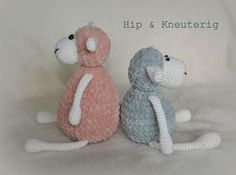 Hip & Kneuterig: Amigurumi Zacht SCHAAPJE gratis haakpatroon Crochet Sheep, Diy Crochet, Binky, Knitted Dolls, Crochet Accessories, Softies, Free Pattern, Teddy Bear, Knitting