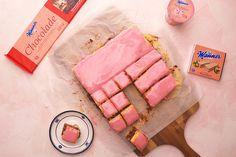 Manner Punschkrapferl bzw. Punschwürfel | manner.com Manners, Ham, Sweets, Cheese, Desserts, Vienna, Food, New Recipes, Food And Drinks