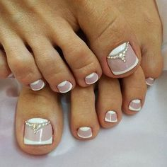 The numerous styles allow your toe nails to be perfect for any occasion and match your mood, image, and personality. Try these toe nail art! Classy Nail Designs, New Nail Designs, French Pedicure Designs, Pedicure Nail Art, Toe Nail Art, Pedicure Ideas, Hair And Nails, My Nails, Pretty Toe Nails