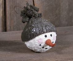Primitive Snowball Face Ornie | Tattered Sisters Primitives _ #Christmas Ornament #DIY Christmas Craft #DIY Christmas Gift #Winter #Snowman