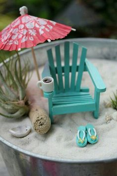 25 Cute DIY Fairy Furniture and Accessories For an Adorable Fairy Garden Beach Fairy Garden, Fairies Garden, Little Gardens, Fairy Furniture, Garden Terrarium, Succulent Planters, Hanging Planters, Succulents Garden, Beach Gardens