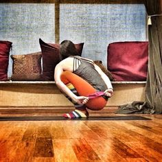 """""""Is full #pasasana a pose you've never tried because toe balancing and twisting is like rubbing your belly and tapping your head at the same time ?…"""""""