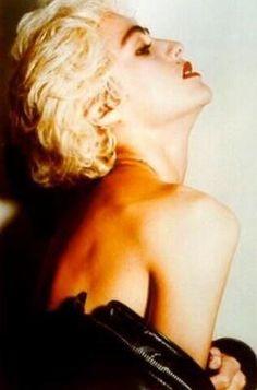 Madonna Madonna Albums, Madonna 80s, Best Female Artists, Female Singers, Madonna True Blue, Divas Pop, Viejo Hollywood, 80s Trends, Musica