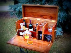 Portable bar perfect for camping (glamping), your backyard, or in your home. Nice for Steampunk decor. //This would be fun for SCA or Pennsic