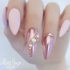 Double Tap If You Like This New Design! Credit By Alina Hoyo Nail Artist Nail Art Ideas Sparkle White Nails Metalic Nails Art Barbie Pink Nails Glitter Pink Nai Pink Glitter Nails, Metallic Nails, Bling Nails, Green Nails, Gradient Nails, Rainbow Nails, Pink Bling, Rhinestone Nails, Acrylic Nails