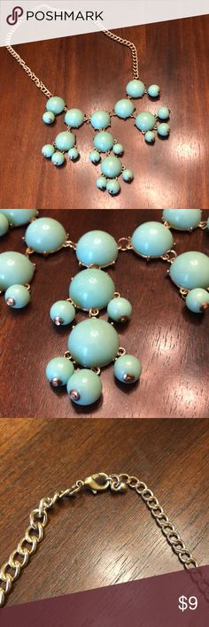 Mini Teal Bubble Necklace Mini Teal Bubble Necklace in great condition! 17 inch chain but can be shortened. Color goes great with anything! Francesca's Collections Jewelry Necklaces