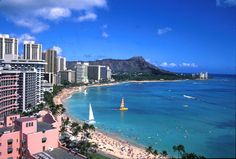 Waikiki Beach, Oahu, Hawaii with Diamond Head in background. The Places Youll Go, Great Places, Places To See, Beautiful Places, Us Travel, Places To Travel, Travel Destinations, Honolulu Beach, Hawaii Hotels