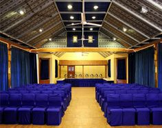 The Snow King Retreat, Shimla, is a great venue for both business and pleasure.The hotel offers well-appointed event space with soft lighting and a beautiful ceiling.