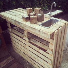 Outdoor kitchen from pallets