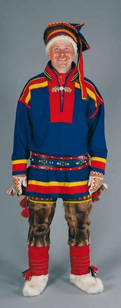 Bilderesultater for traditional lapp costume Folk Costume, Costumes, Norwegian Clothing, Folk Clothing, Lappland, First Nations, People Around The World, Samara, Blue And White