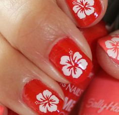 Dream of paradise with this summer-inspired nail art with free-hand ...