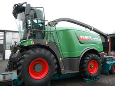 The first forage harvester of Fendt is for sale on Agriaffaires! http://www.agriaffaires.de/gebrauchte/feldhaecksler/3376534/fendt-katana-65.html