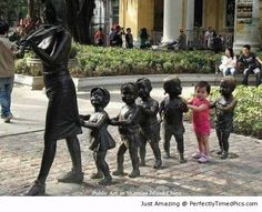 Public Street Art in China, Guangzhou Outdoor Sculpture, Modern Sculpture, Outdoor Art, Bronze Sculpture, Art Sculptures, Land Art, Fun With Statues, Street Art, Instalation Art