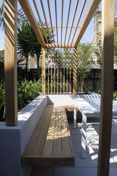 Chic Courtyard Design …