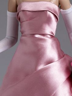 #pinned #details shown of our Elegance #93 from the Theatre De La Mode Collection #dollchat ^kv