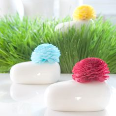 Flower Diffuser  Now available in 6 fragrances. Representing a wonderland of all things exotic, euphoric sentiments pair with bold colors and delightful fragrances, swirling into a prism of perfection. From fresh fruits and exotic berries to energetic citrus and sun-drenched floral, exhilarating scents burst through our vivacious palette and provide a perfect escape.