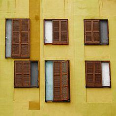 Il mastro ubriaco (salvatore tardino) Tags: window yellow taglio giallo palazzo parete colori architettura barcellona spagna righe stranezze composizione finestre linee persiane prospetto