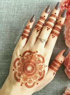 Explore latest Mehndi Designs images in 2019 on Happy Shappy. Mehendi design is also known as the heena design or henna patterns worldwide. We are here with the best mehndi designs images from worldwide. Henna Hand Designs, Eid Mehndi Designs, Mehndi Designs Finger, Mehndi Designs For Girls, Mehndi Designs For Beginners, Modern Mehndi Designs, Mehndi Designs For Fingers, Mehndi Design Photos, Mehndi Patterns