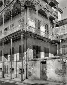 Moldy Manse: 1937
