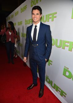 Robbie Amell at The Duff premiere