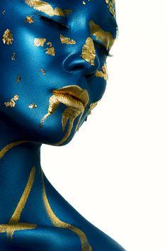 Beauty Alien Halloween Makeup on Behance Painting Digital, Black Art Painting, Alien Halloween Makeup, Alien Make-up, Arte Peculiar, African Art Paintings, Body Art Photography, Fashion Photography, Black Women Art