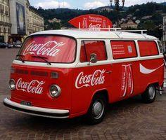 = Coca Cola Vintage, Coca Cola Ad, Always Coca Cola, World Of Coca Cola, Vw Vintage, Vintage Design, Volkswagen Bus, Vw T1, Coke