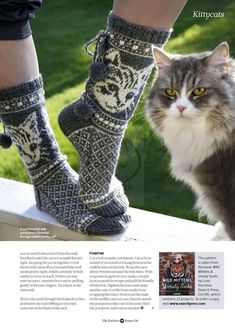 Translated version of test.txtValentines day gifts ideas for girlfriend & valentines day ideas Crochet Socks, Knit Mittens, Knitting Socks, Baby Knitting, Knit Crochet, Knitting Stiches, Knitting Patterns, Knitted Cat, Patterned Socks