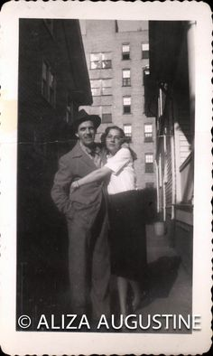 How to scan old black and white photographs?