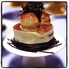 Italian Food and Hospitality Lovers! Profiterole, Plate Art, Conte, Cooking Classes, Italian Recipes, Cheesecake, Breakfast, Ethnic Recipes, Desserts