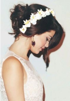 Selena Gomez - wedding hair idea?