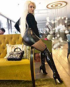 Only beautiful gorgeous women in tight and shiny clothes🖤⚢💋 Sexy Boots, Sexy Heels, Leather Dresses, Leather Skirt, Sexy Older Women, Sexy Women, Looks Pinterest, Mode Latex, Sexy Stiefel