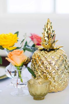 See these ingenious centerpiece ideas for a coastal wedding!