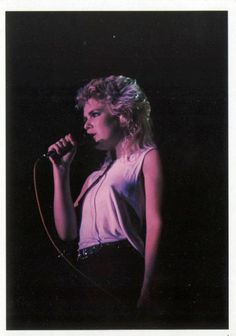 Kim Wilde 1983. ~ Check out for more pins: https://www.pinterest.com/nenoneo/kim-wilde/