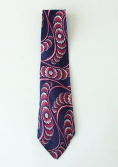 Vintage silk red, white, and blue print tie. A great Art Deco deadstock tie. Vintage Hairstyles, Silk Ties, Swirls, Vintage Men, 1930s, Red And White, Art Deco, Blue, Accessories