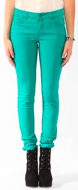 Be a style star in a knock-out shade @FOREVER™ 21 // bright colored skinnies are the bomb and perf for cool autumn days