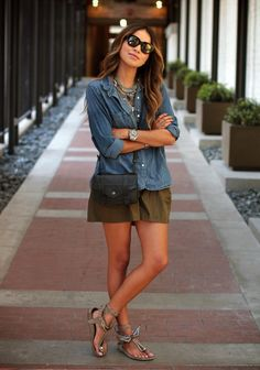 Julie Sarinana Is Wearing Shirt From Madewell, Shorts From Maje, Sandals From Isabel Marant, Necklace From Dylanlex And Cross Body Bag From Proenza Schouler