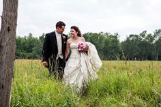Wedding, Bride and Groom, Field of Grass Wedding Bride, Lace Wedding, Wedding Dresses, Grass, Wedding Photos, Fashion, Bride Dresses, Marriage Pictures, Moda