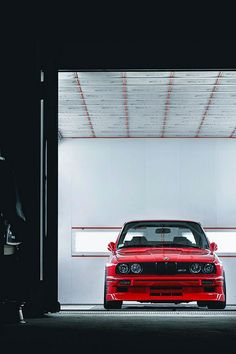 E30 M3 in garage - yes please!