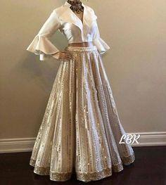 Party Wear Indian Dresses, Designer Party Wear Dresses, Party Wear Lehenga, Indian Gowns Dresses, Indian Bridal Outfits, Dress Indian Style, Indian Fashion Dresses, Indian Designer Outfits, Lehenga Wedding