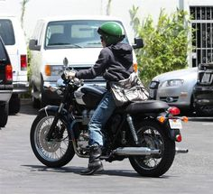 singer pink on motorcycle | It's singer Pink! She was leaving a studio yesterday on her Triumph ...