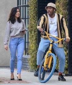 Tyler The Creator - Street Style on Looklive Tyler The Creator Fashion, Tyler The Creator Outfits, Golf Fashion, Urban Fashion, Mens Fashion, Fashion Outfits, Sneakers Street Style, Casual Street Style, Tyler The Creator Wallpaper