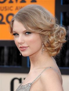 image taylor switft updo | If you are having trouble creating Taylor Swift updo hairstyles, you ...