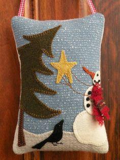 Forest Friends Door Hanger - pattern/kit to buy. Inspiring applique!