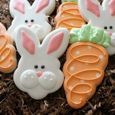 "Bunny Face and Carrot Cookie, find under Cookies - Holiday - Easter - ""Polka Dot Carrot Cookies"" cookies Fancy Cookies, Cute Cookies, Easter Cookies, Easter Treats, Holiday Cookies, Cupcake Cookies, Royal Icing Cookies, Cupcakes, Easter Cake"
